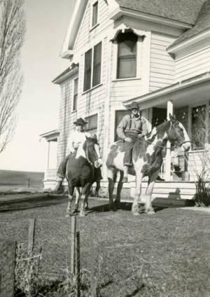 item thumbnail for Roy and Max Davis on horseback