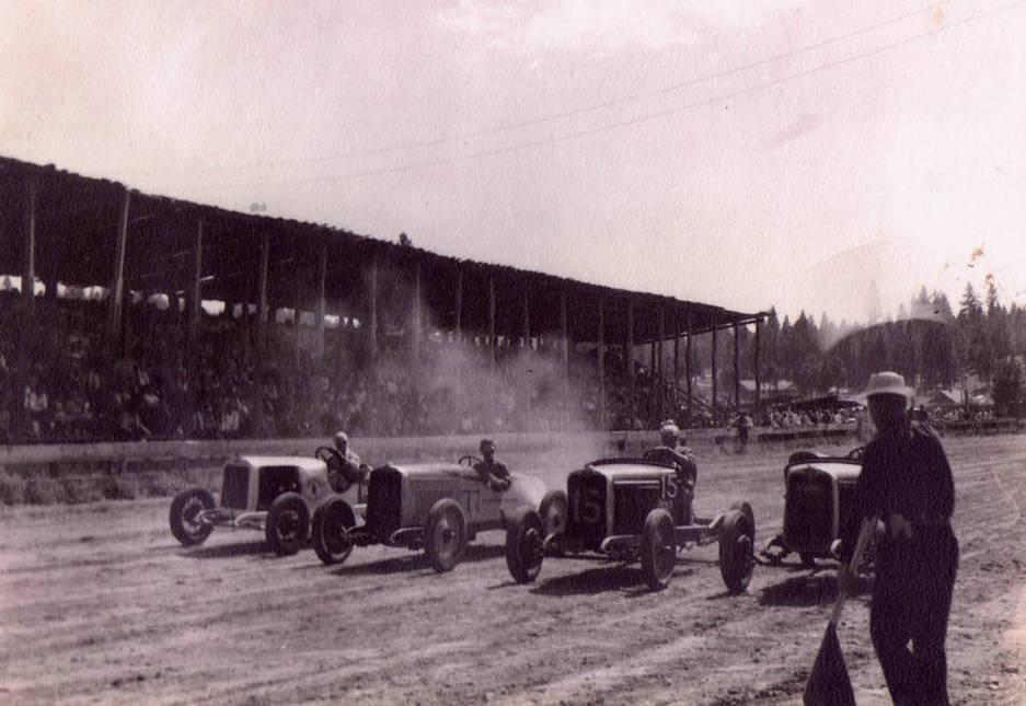item thumbnail for Lyle Gottschalk racing #77