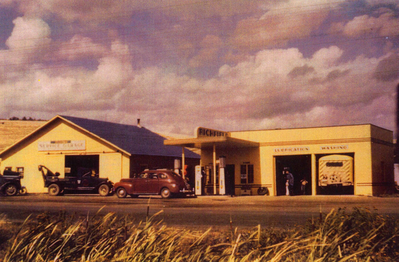 item thumbnail for Old Richield service station and garage