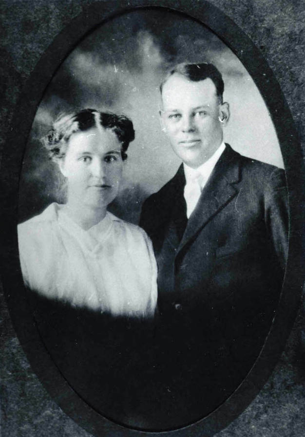 item thumbnail for Arthur and Alice Strong wedding portrait