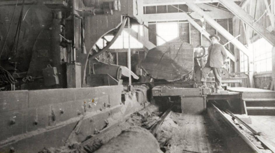 item thumbnail for Lumber Mill Machine