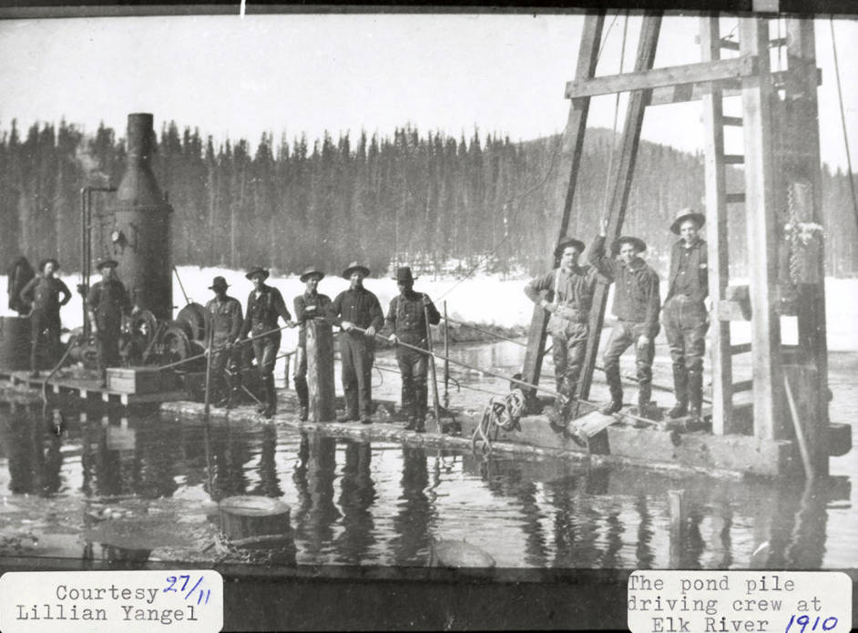 item thumbnail for Elk River Pond Pile Driving Crew