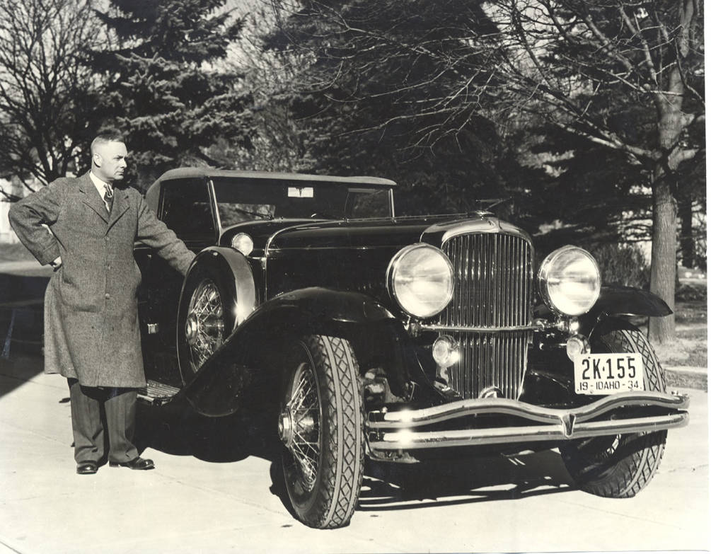 item thumbnail for Photograph of Frank B. Robinson beside his Duesenberg Convertible Coupe