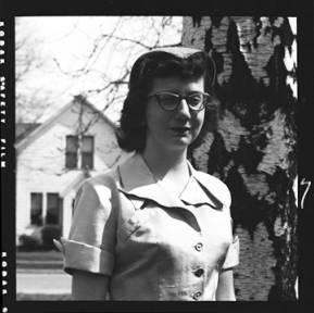 item thumbnail for Laughlin family, 1952 [2]