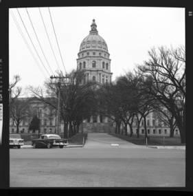 item thumbnail for Topeka (Kan.), Capital building, 1961 [2]