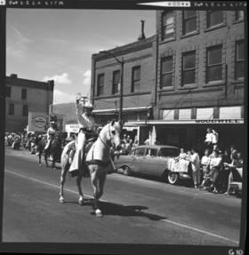 item thumbnail for Lewiston (Idaho),  Parade, 1961 [2]