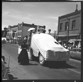 item thumbnail for Lewiston (Idaho),  Parade, 1961 [3]