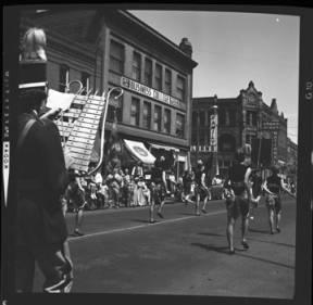 item thumbnail for Lewiston (Idaho),  Parade, 1961 [6]