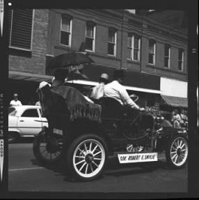 item thumbnail for Lewiston (Idaho),  Parade, 1961 [9]
