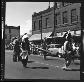 item thumbnail for Lewiston (Idaho),  Parade, 1961 [19]