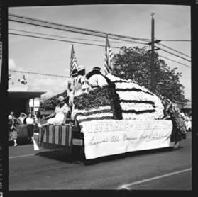 item thumbnail for Lewiston (Idaho),  Parade, 1961 [22]