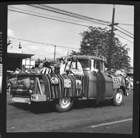 item thumbnail for Lewiston (Idaho),  Parade, 1961 [26]