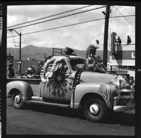 item thumbnail for Lewiston (Idaho),  Parade, 1961 [28]