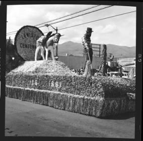 item thumbnail for Lewiston (Idaho),  Parade, 1961 [31]