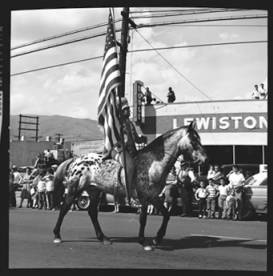 item thumbnail for Lewiston (Idaho),  Parade, 1961 [32]