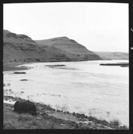 item thumbnail for Snake River (Wash.), 1944 [3]