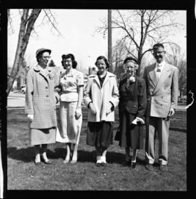 item thumbnail for Laughlin family, 1952 [4]