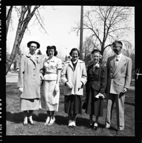 item thumbnail for Laughlin family, 1952 [5]