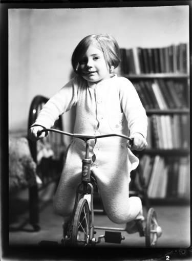 item thumbnail for Kay Laughlin, 1940 [1]