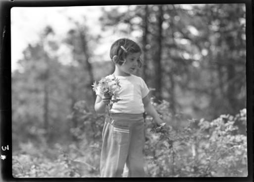item thumbnail for Kay Laughlin, 1940 [2]