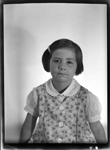 item thumbnail for Kay Laughlin, 1940 [3]