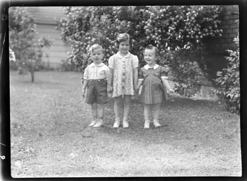 item thumbnail for Kay, Helen and John Laughlin, 1940