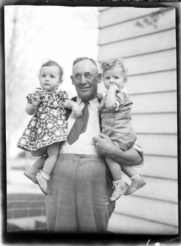 item thumbnail for John and Helen Laughlin with Dad Ward, 1939
