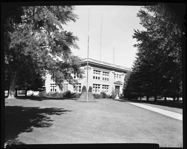 item thumbnail for County Courthouse Minidoka, 1967