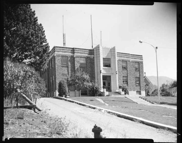 item thumbnail for County Courthouse Oneida, 1967