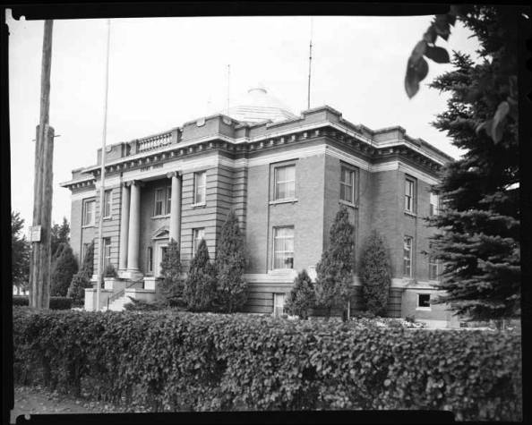 item thumbnail for County Courthouse Fremont, 1967