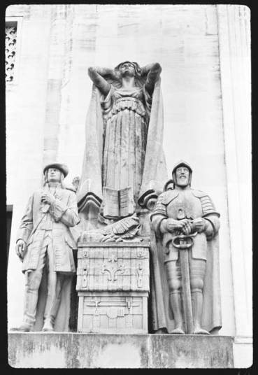item thumbnail for Statue