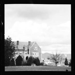item thumbnail for University of Idaho, Administration building, 1959
