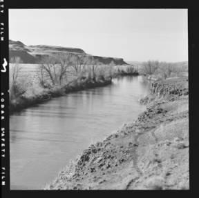 item thumbnail for Palouse River below the bridge at Staley's Ranch [1]