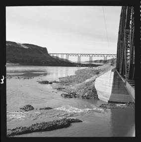 item thumbnail for Snake River across the mouth of the Palouse River showing the Northern Pacific bridge