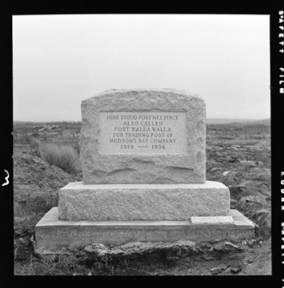 item thumbnail for Fort Nez Perce Monument