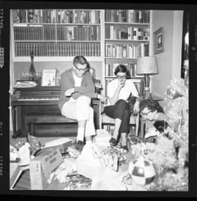 item thumbnail for Laughlin family at Christmas, 1959 [9]