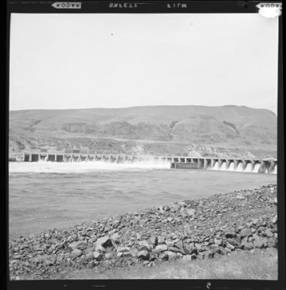 item thumbnail for Rock Island Dam on Columbia River (Wash.), 1960 [1]