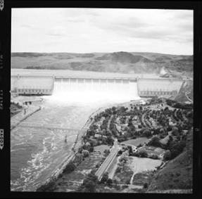 item thumbnail for Grand Coulee Dam (Wash.), 1939 [6]