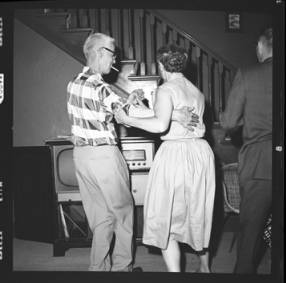 item thumbnail for Poker Club party at the Laughlin house, 1960 [25]