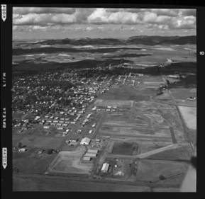 item thumbnail for Moscow-Pullman, Fountain's Airstrip (Wash.), 1960 [1]