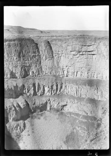 item thumbnail for Palouse Falls (Wash.), 1940 [1]