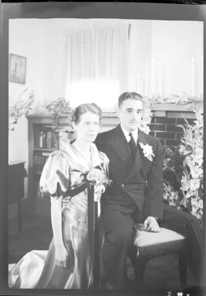 item thumbnail for Gleason wedding (Idaho), 1937 [1]
