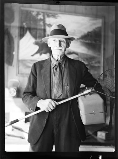 item thumbnail for Fishing contest, 1937 [5]