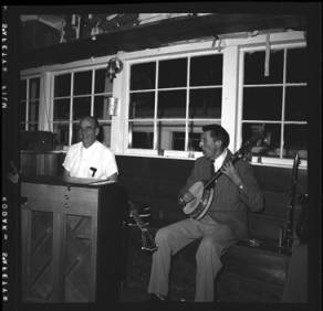 item thumbnail for Lake Coeur D'Alene (Idaho), people playing instruments, 1959 [2]
