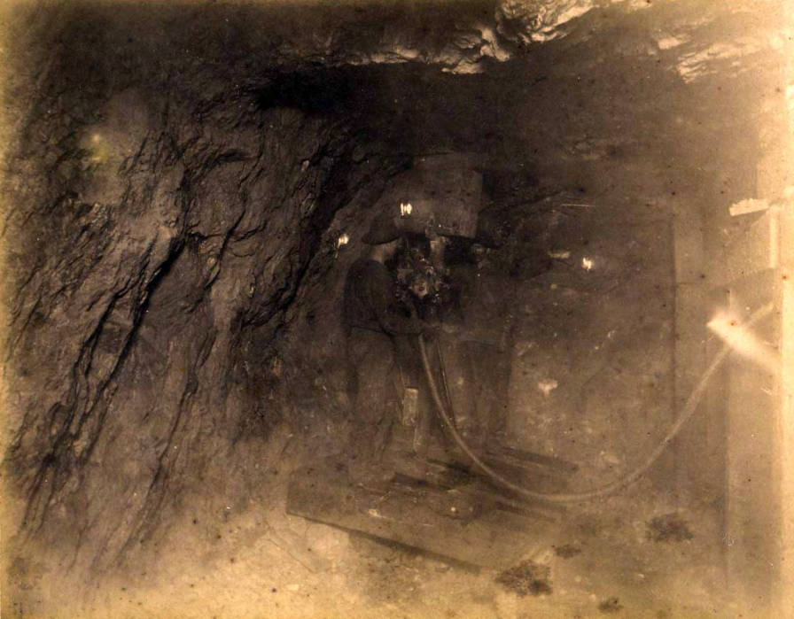 item thumbnail for St. Lawrence Mine 800 ft. level West [no. 1182]