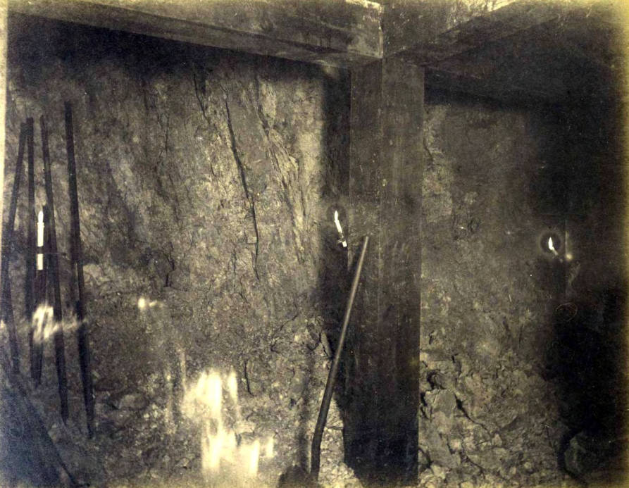 item thumbnail for St. Lawrence Mine 700 ft. level East [no. 1184]