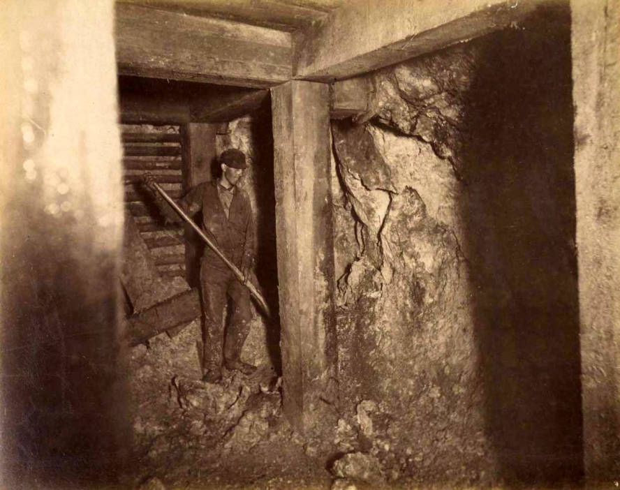 item thumbnail for Mountain Consolidated Mine 400 ft. level East sill floor  [no. 1228]