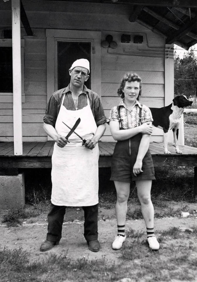 Image of Pick' Ward wearing white apron and chef's cap and Kay Flores. Dixie, Idaho.